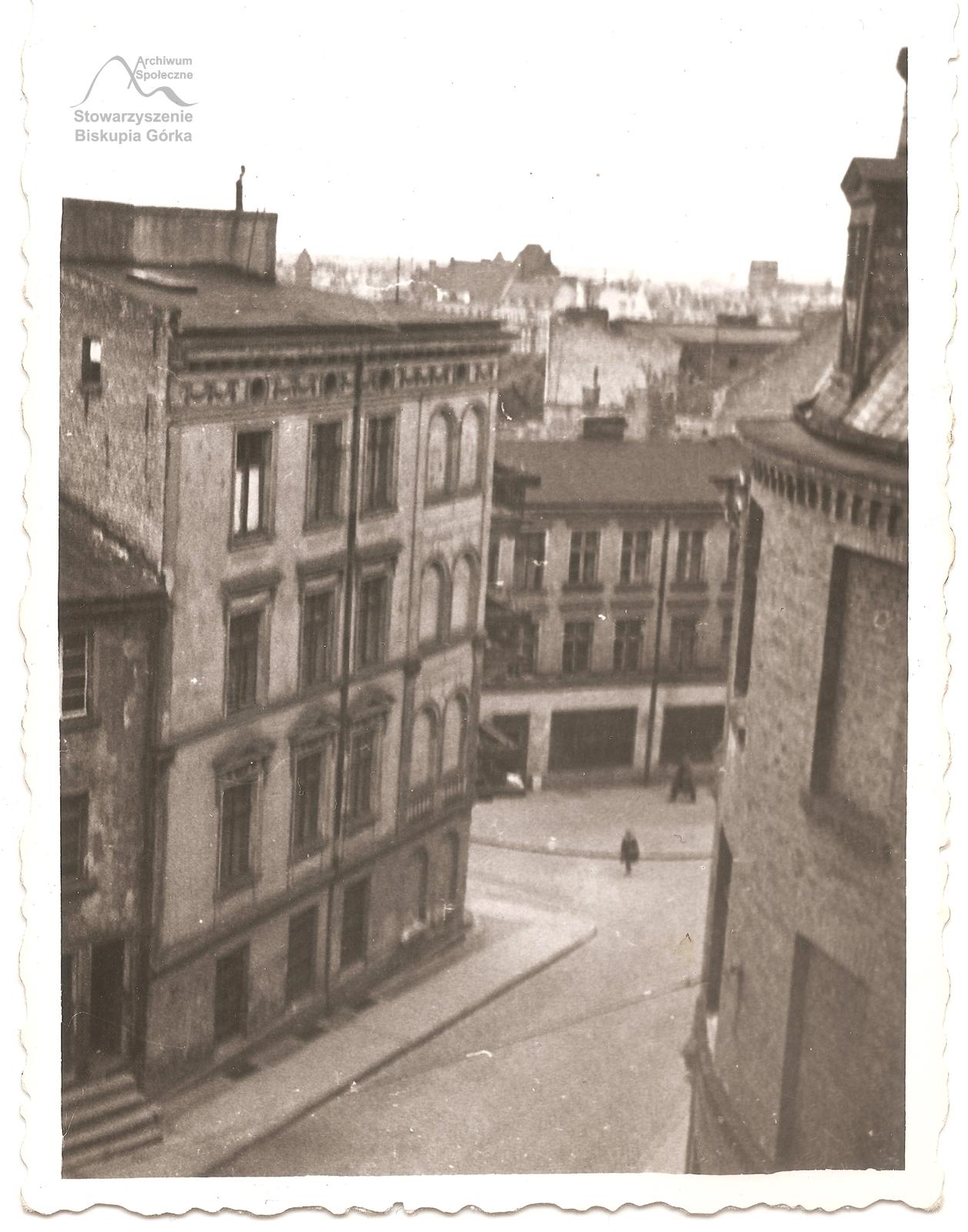 Ulica Biskupia w 1960 r. Widok z balkonu pani Kiedrowskiej.