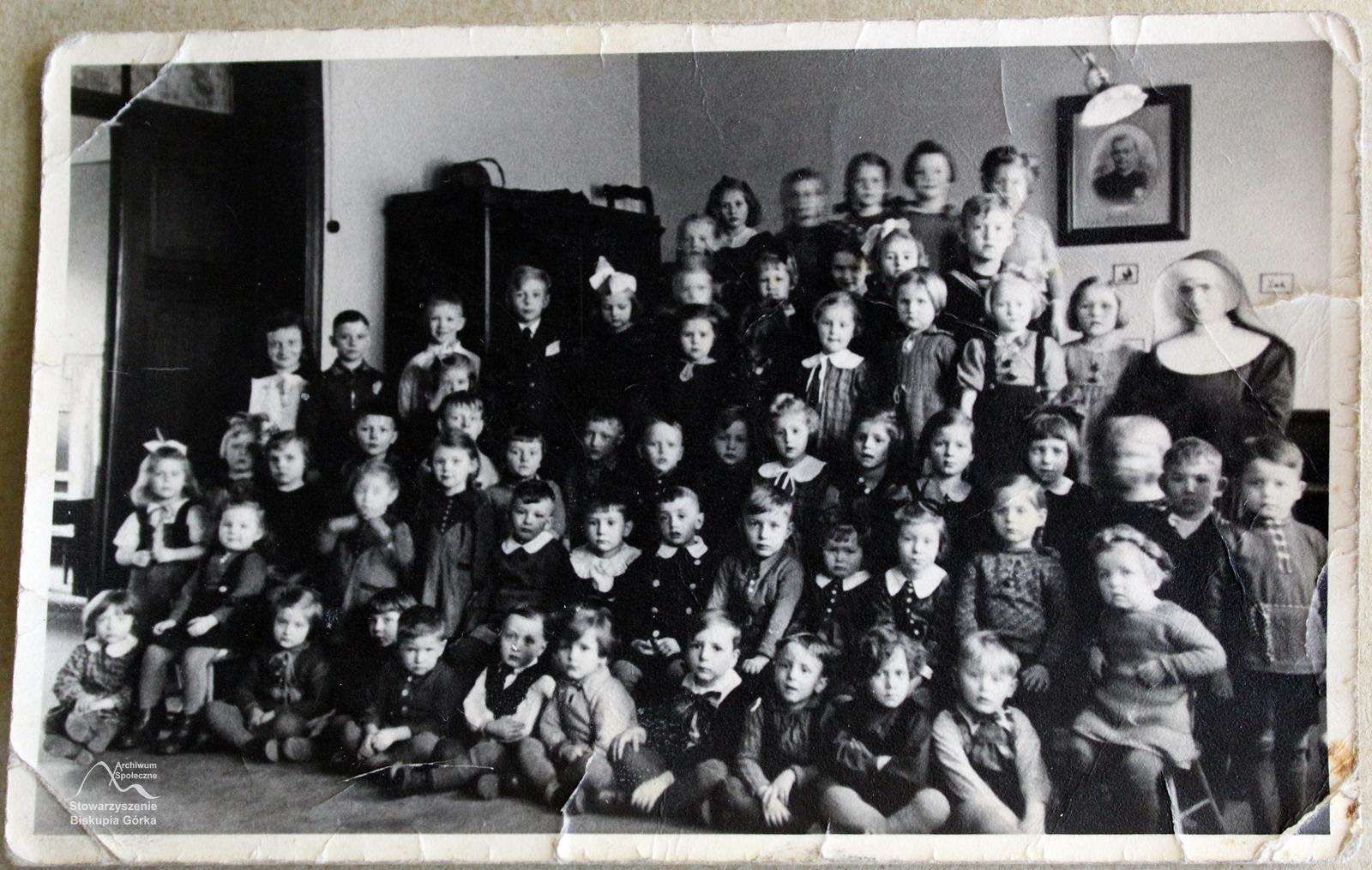 Przedszkole w Domu Zgromadzenia Sióstr św. Elżbiety, na Targu Siennym., 1938 r.