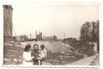 1952 r., ul. Biskupia, z tyłu podparty dom,  ktory już nie istnieje